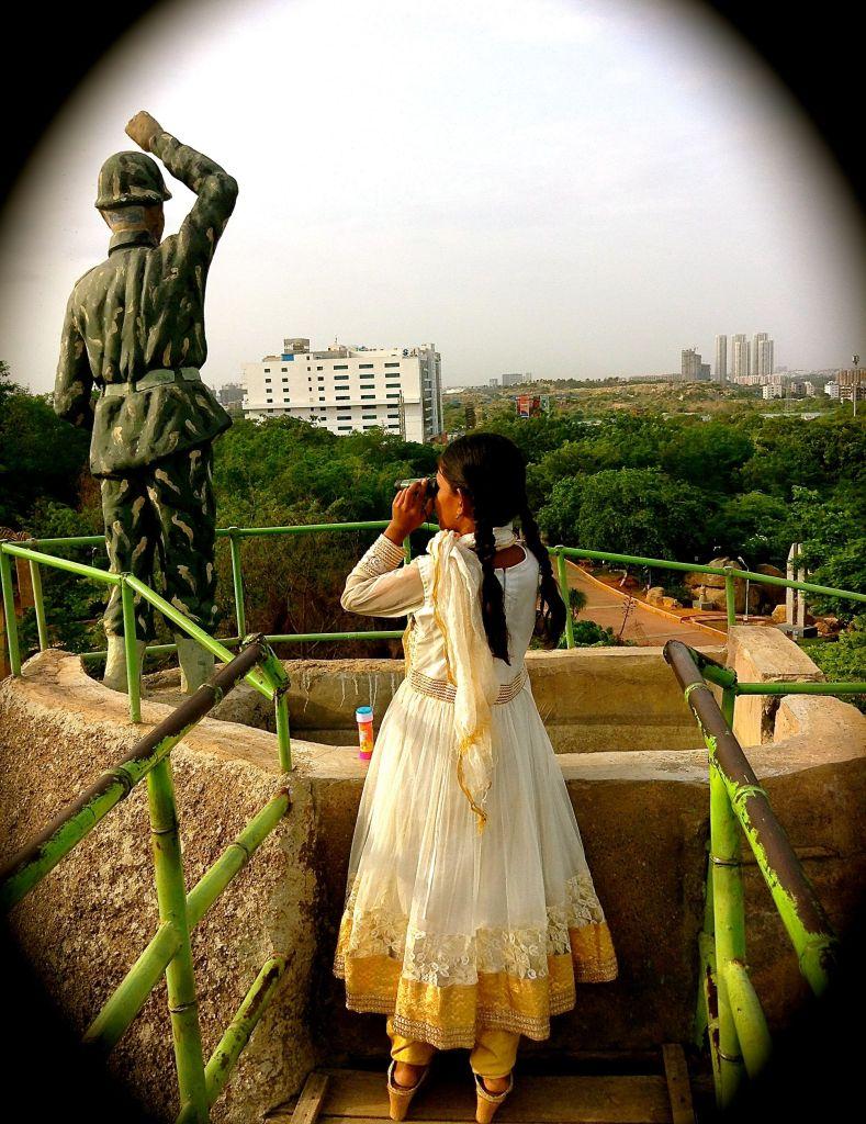 Hügel über Shilparamam, Hyderabad (Indien). Foto: Nic Leonhardt
